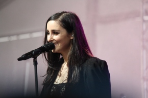 BANKS performing at Governors Ball